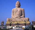 Изваяние Будды в Ботх Гайя