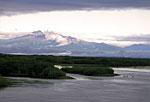 Россия, Камчатка, окрестности посёлка Ключи, река Камчатка, вид на Срединный хребет