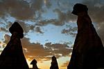 Перибаджалары на фоне закатного неба.