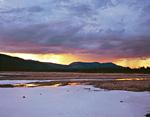 Закат в долине реки Лабынкыр, выше озера Лабынкыр.