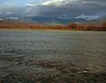 Россия, Ямало-Ненецкий автономный округ, Полярный Урал, река Большая Пайпудына, вид на Малый Пайпудынский хребет