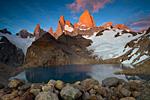 Фитц Рой и озеро Лос Трес на рассвете.